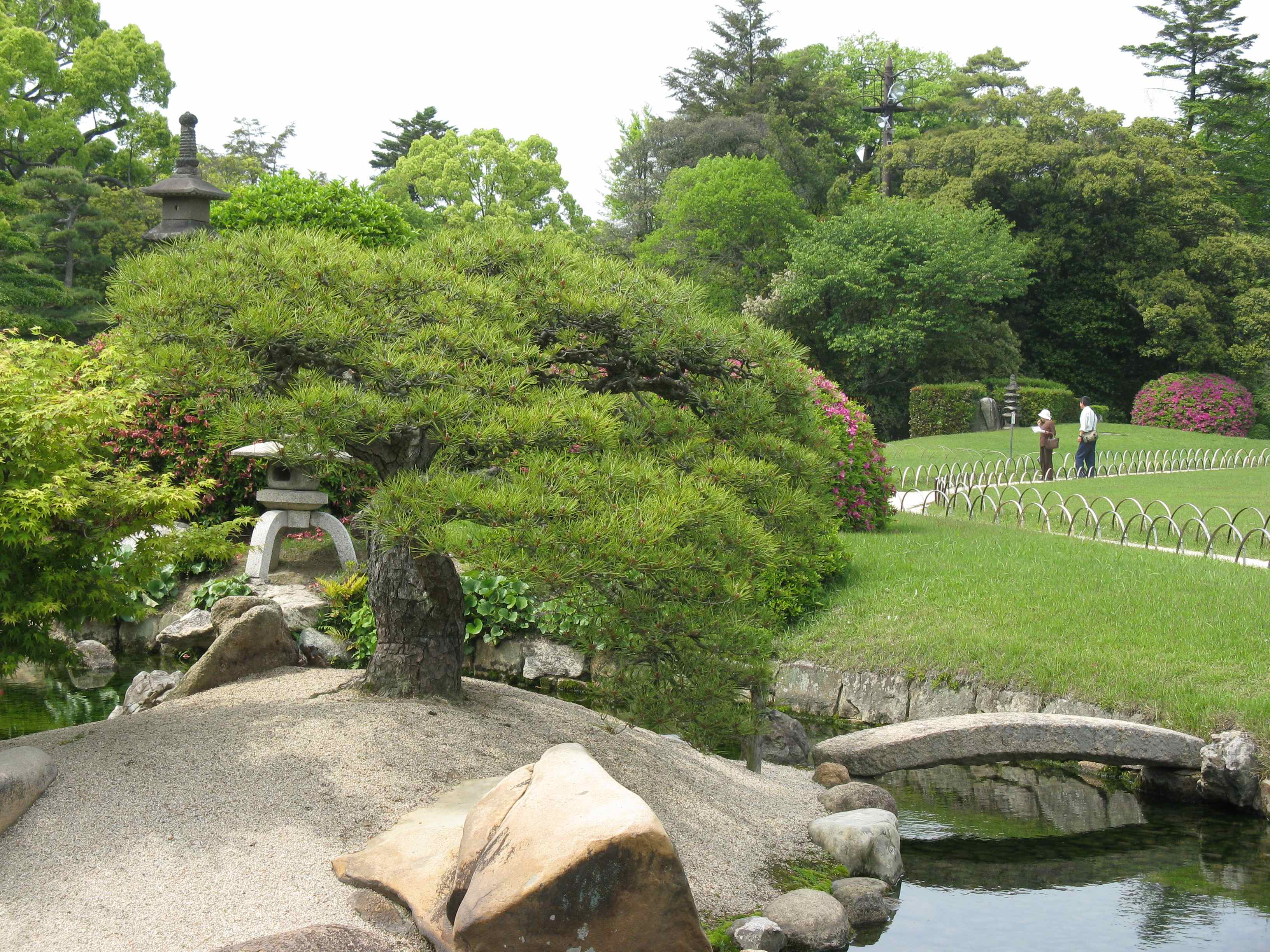 1000 images about g creative japanese outdoor for Japanese garden structures
