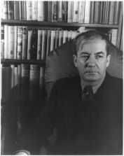 Sherwood Anderson, 1933 (Carl Van Vechten [Public domain], via Wikimedia Commons)